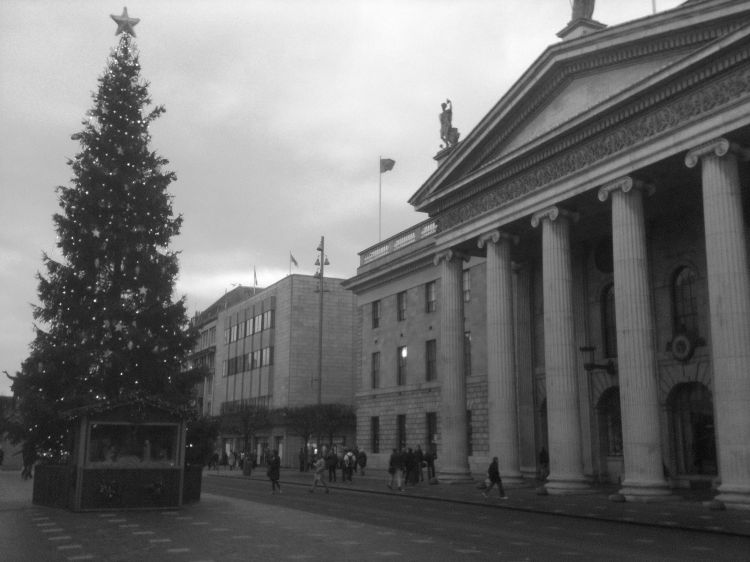 The GPO on O'Connell Street, Dublin (2012)