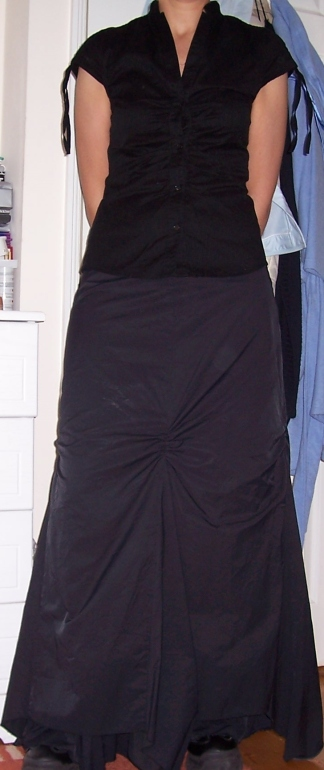 Thát black skirt!